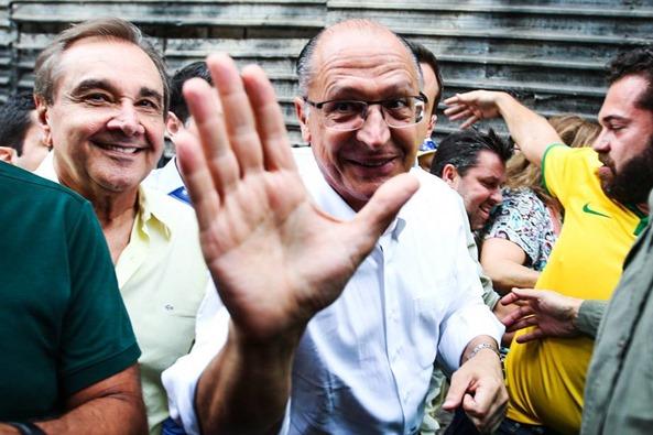agripino-alckmim-protestos